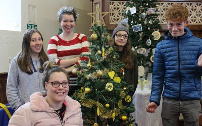 Students decorate tree for Stephen's Story