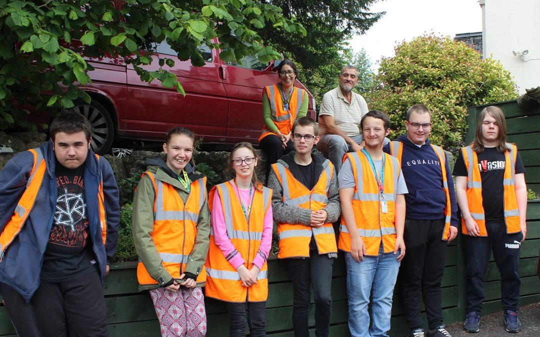 Students give thyme to help care home