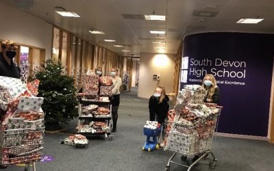 South Devon High School students raise Christmas spirits by supporting local charities